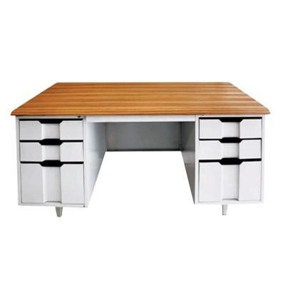 wood grain table